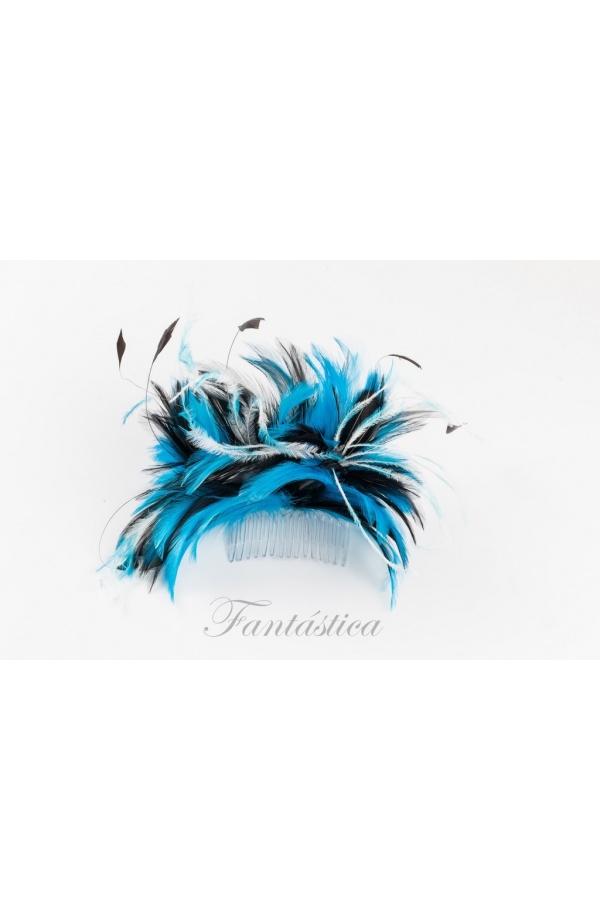 Chulísima peineta con amplio tocado bicolor de plumas en color turquesa. Un  fabuloso accesorio para adornar tu cabello con cualquier peinado  en la  parte ... 27e72ea04cbc