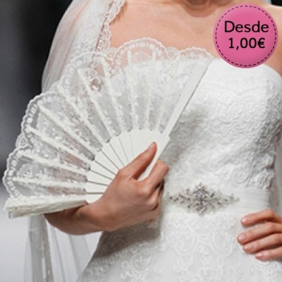 White fans for brides
